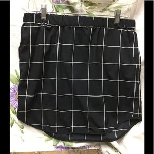 Trouve Black and White Skirt 🌿 B8